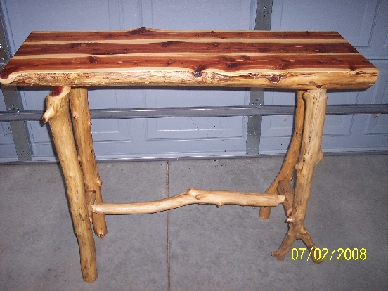 Distressed Pine Coffee Table Extra Character W Bar Pour Finish